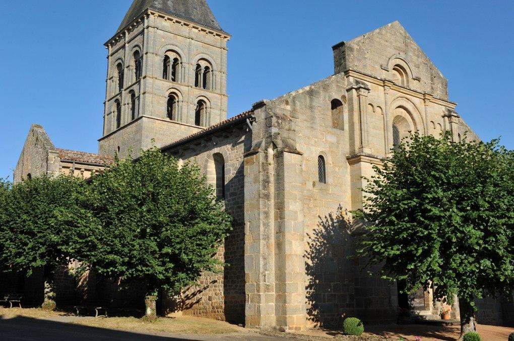 Varenne-l'Arconce - Eglise Saint-Pierre-aux-Liens (XIIe siècle)