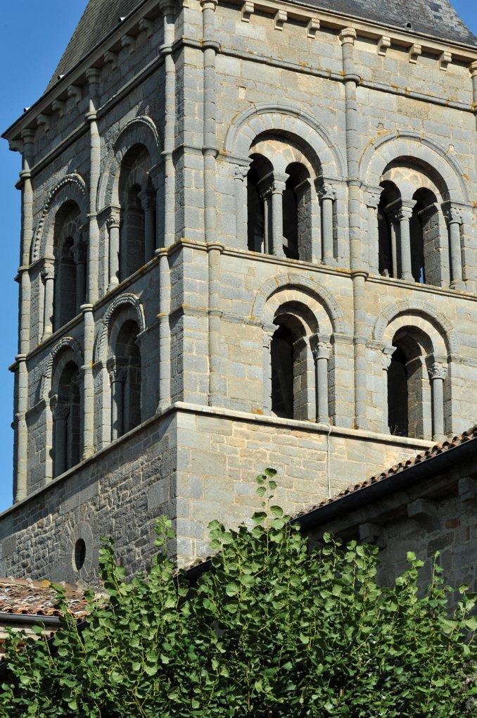 Varenne-l'Arconce - Eglise Saint-Pierre-aux-Liens (XIIe siècle) - Le clocher