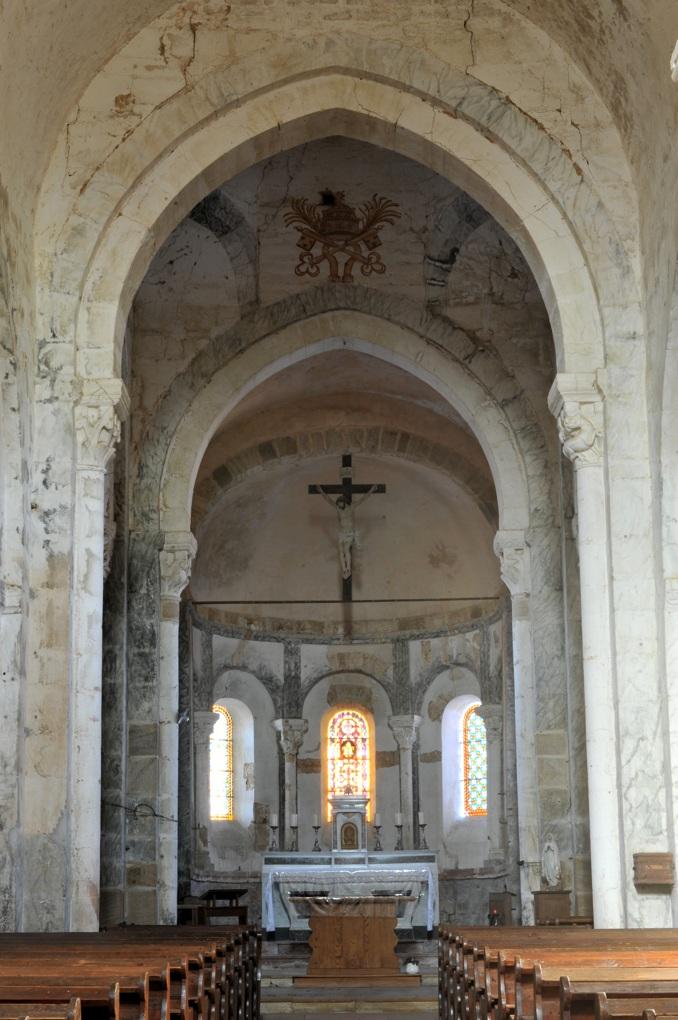 Varenne-l'Arconce - Eglise Saint-Pierre-aux-Liens (XIIe siècle) - Sanctuaire et abside
