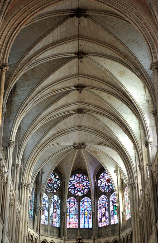 Auxerre - Cathédrale Saint-Etienne (XIe-XVIe siècle) : voûtes du choeur (v. 1235)
