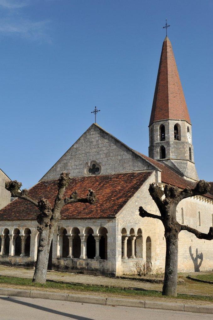 Escolives-Sainte-Camille - Eglise Saint-Pierre et Saint-Paul (XIIe siècle)