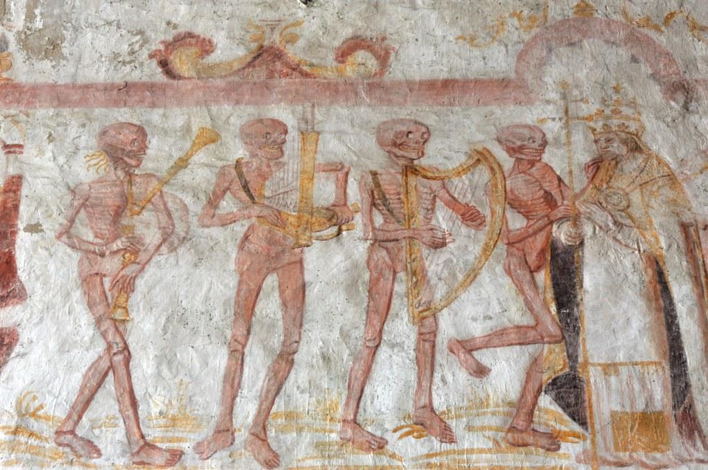 La Ferté-Loupière - Eglise Saint-Germain - la Danse macabre (v. 1500) : squelettes musiciens