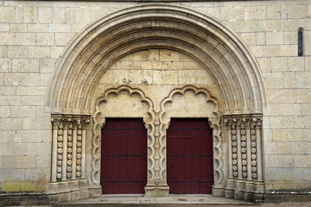 Montréal - Collégiale Notre-Dame : le portail (XIIe siècle)