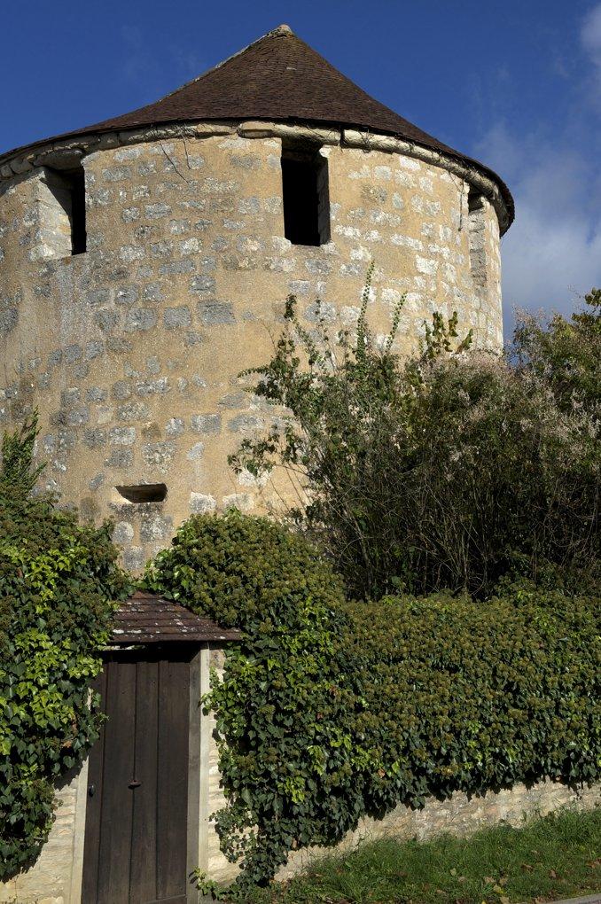 Noyers - Tour d'enceinte (XIIIe siècle)