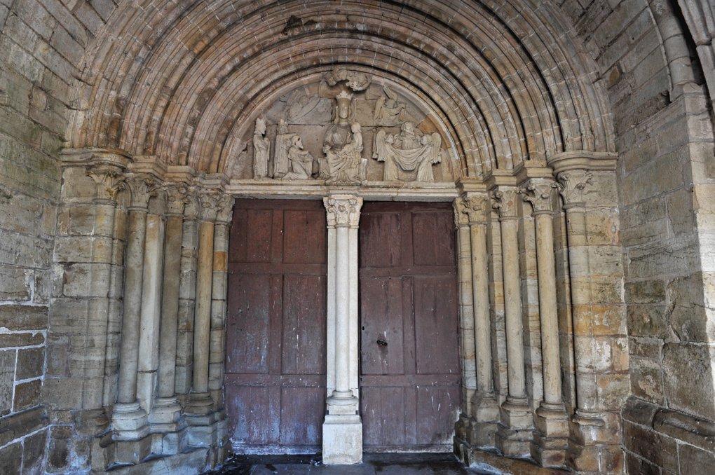 Pontaubert - Eglise de la Nativité - Portail (XIIIe siècle)