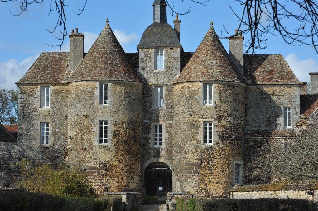 Treigny - Château de Ratilly (XIIIe-XVe siècle)