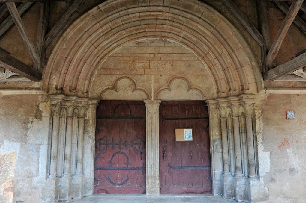 Savigny-en-Terre-Plaine - Eglise Saint-Bénigne (fin du XIIe siècle) : le portail