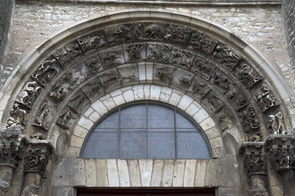 Vermenton - Eglise Notre-Dame - Portail : voussures (fin du XIIe siècle)