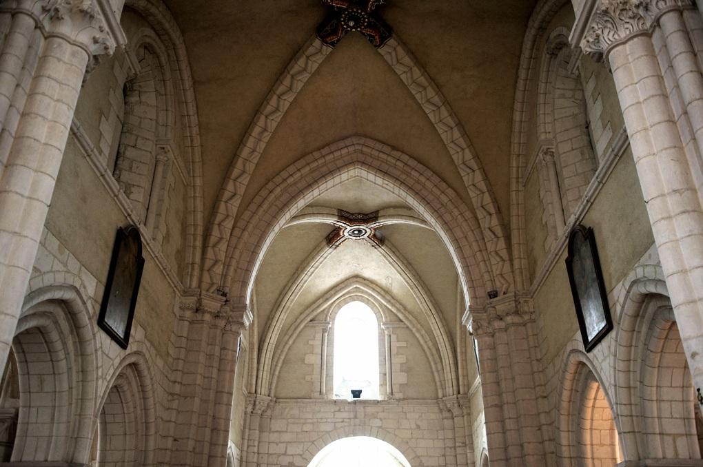 Vermenton - Eglise Notre-Dame - travées occidentales de la nef (fin XIIe siècle)
