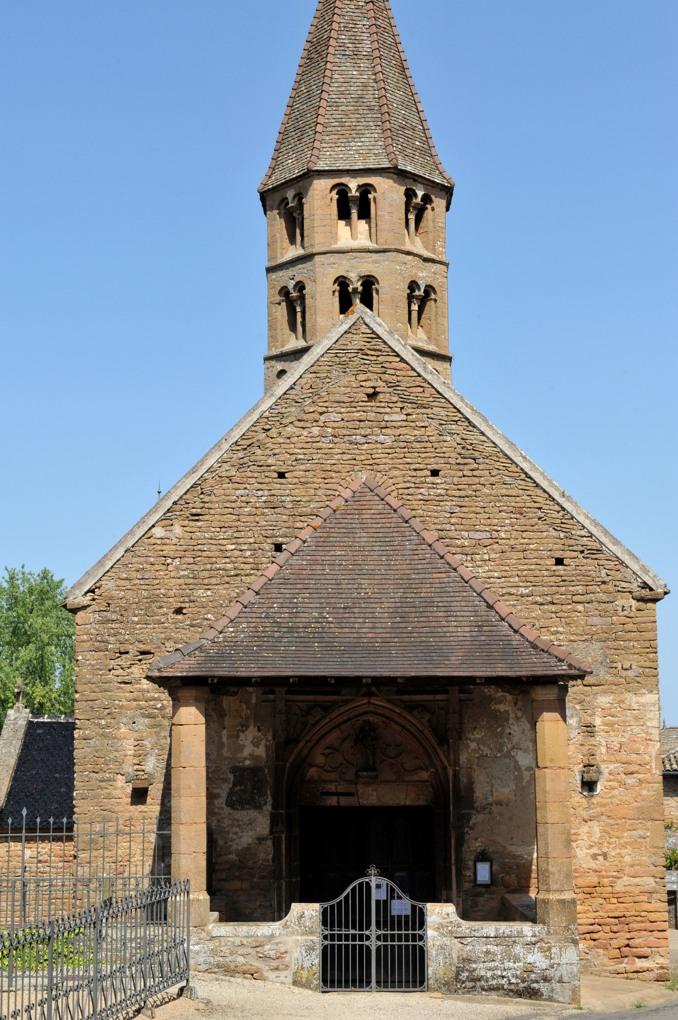 Loché - Eglise Saint-Jean-l'Evangéliste (XIIe siècle)