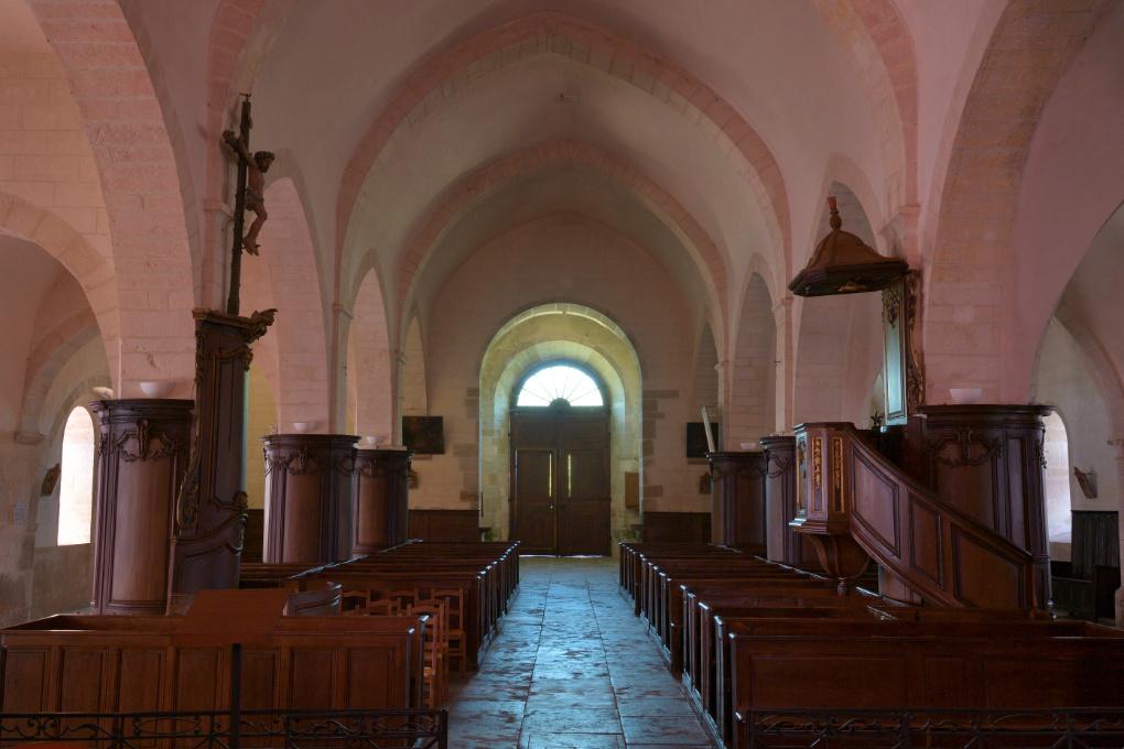 Asquins - Eglise Saint-Jacques : la nef (XIIe s.)