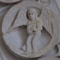 Autun - Tympan : la Vierge