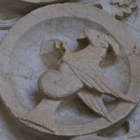 Autun - Tympan : le Capricorne