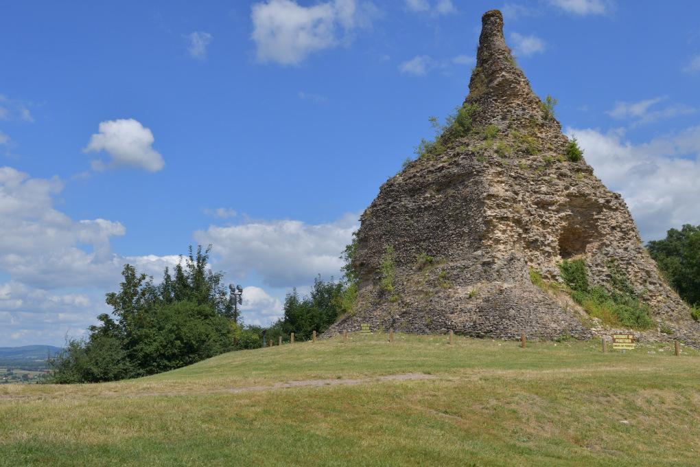 Autun - Pierre de Couhars : monument funéraire (Ier s. av. J.-C.)