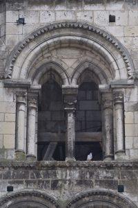 Auxerre - Eglise Saint-Eusèbe (XIIe s.) : baie du clocher