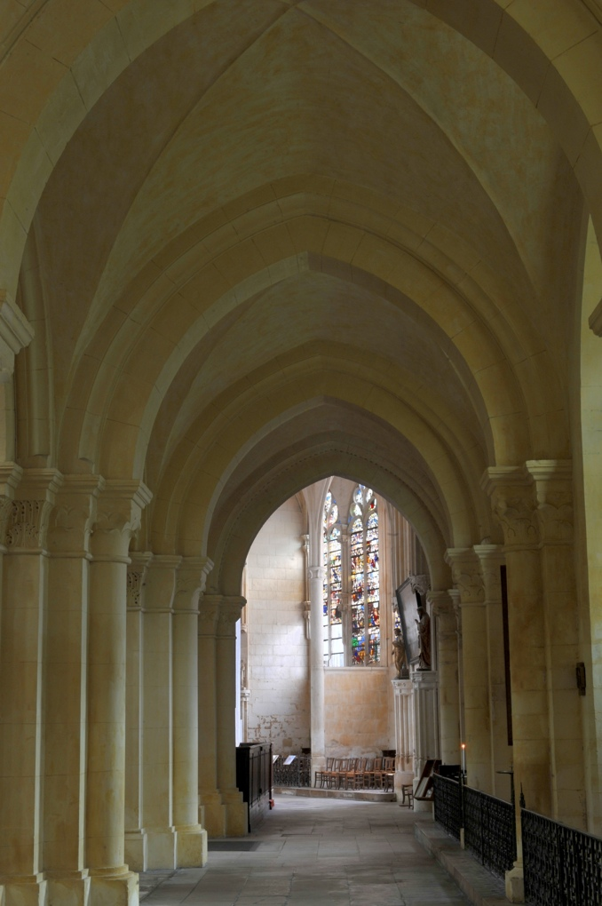 Auxerre - Eglise Saint-Eusèbe (XIIe-XIIIe siècle) - nef : collatéral sud