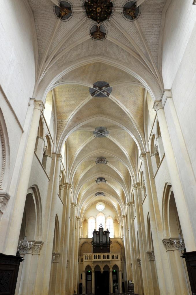 Auxerre - Eglise Saint-Eusèbe (XIIe-XIIIe siècle) : la nef