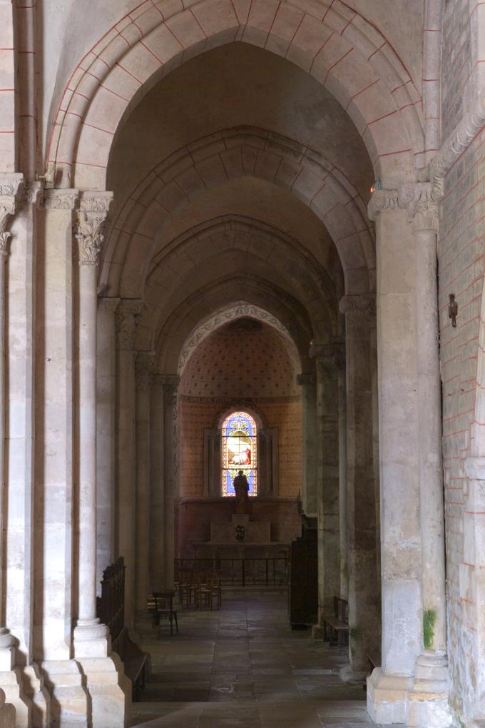 Avallon - Collégiale Saint-Lazare (XIIe s.) : collatéral nord