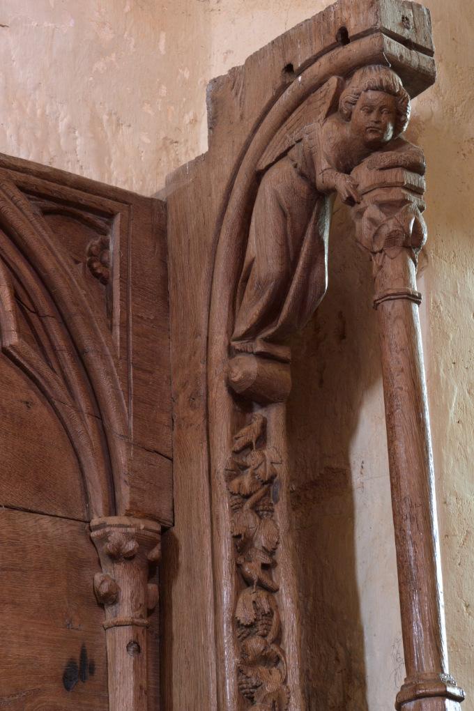 Bard-le-Régulier - Eglise Saint-Jean-l'Evangéliste : décor d'un dais (XIVe s.)
