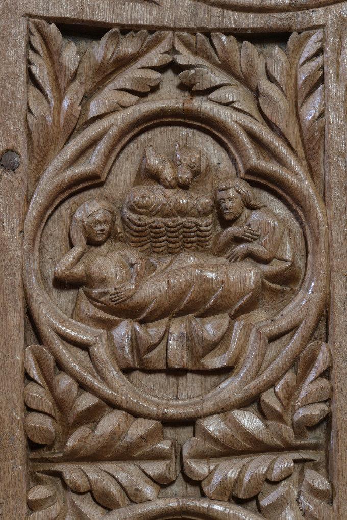 Bard-le-Régulier - Eglise Saint-Jean-l'Evangéliste : les stalles (XIVe s.) - décor des jouées : la Nativité