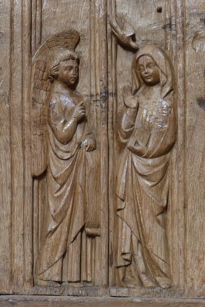 Bard-le-Régulier Bard-le-Régulier - Eglise Saint-Jean-l'Evangéliste : les stalles (XIVe s.) : l'Annonciation