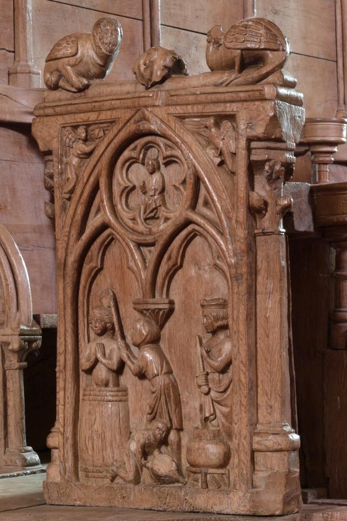 Bard-le-Régulier Bard-le-Régulier - Eglise Saint-Jean-l'Evangéliste : les stalles (XIVe s.) : jouée