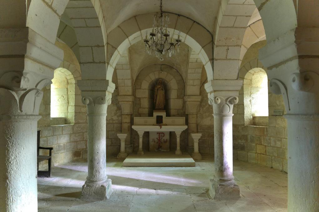 Escolives-Sainte-Camille - Eglise Saint-Pierre-et-Saint-Paul : la crypte (3e quart du XIIe siècle)