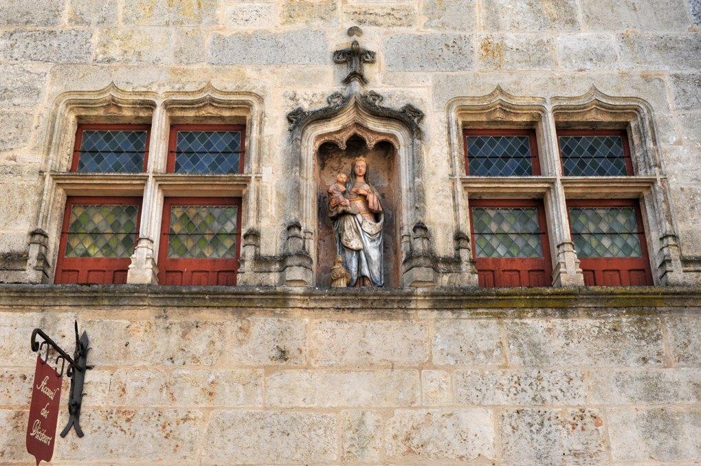 Flavigny-sur-Ozerain - La Maison du Donataire (XVe siècle)