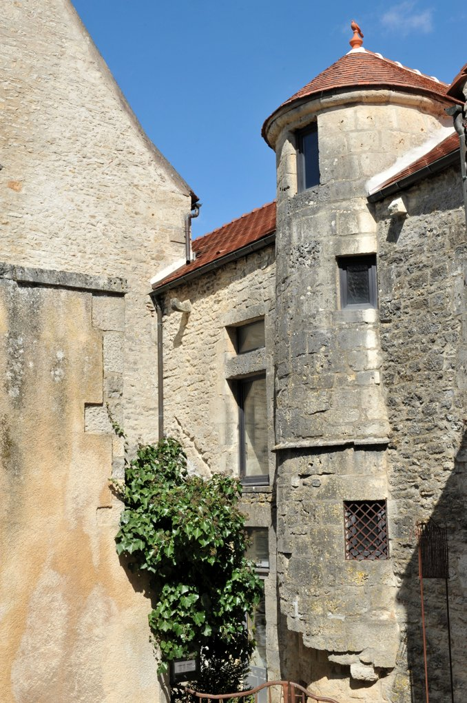 Flavigny-sur-Ozerain - Maison à tourelle (XVIe siècle)