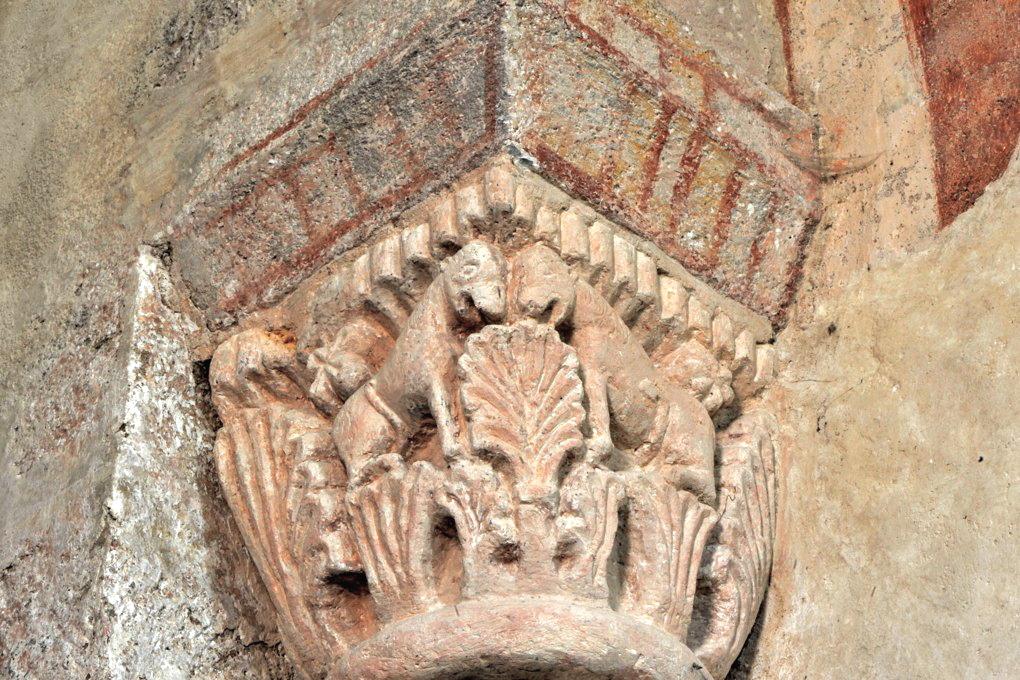 Gourdon - Eglise Notre-Dame-de-l'Assomption (XIIe siècle) - Chapiteau : animaux affrontés