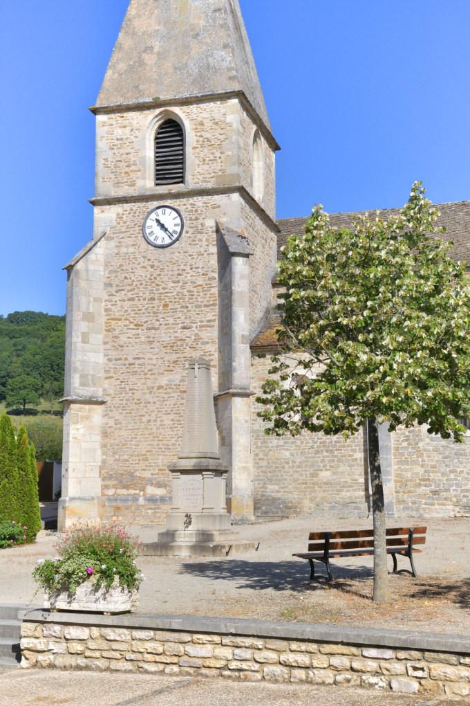 La Rochepot - L'église romane (XIIe s.) : le clocher du XVe s.