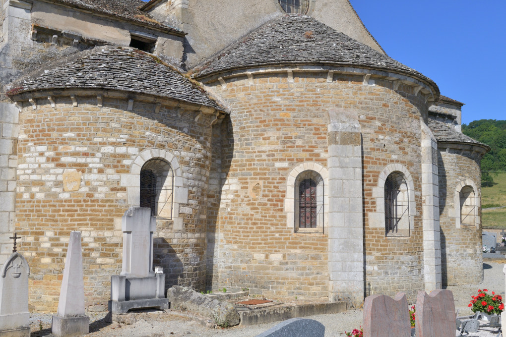 La Rochepot - L'église romane (XIIe s.) : le chevet
