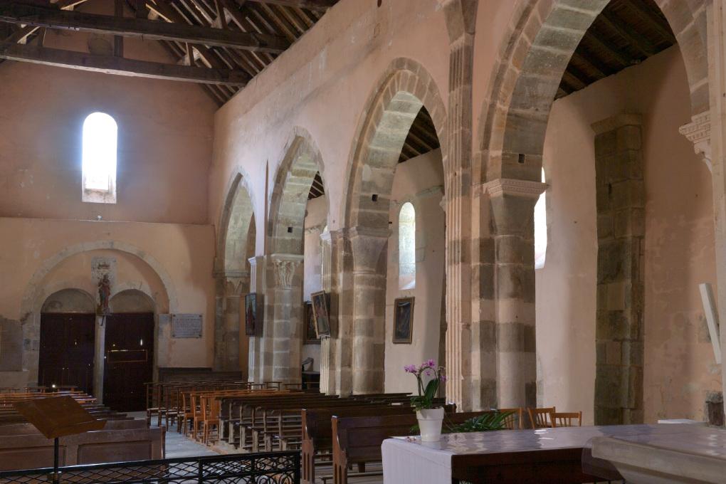 La Rochepot - L'église romane (XIIe s.) : la nef