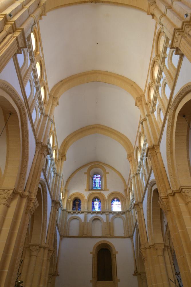 Paray-le-Monial-Basilique : voûtes de la nef (XIIe s.)