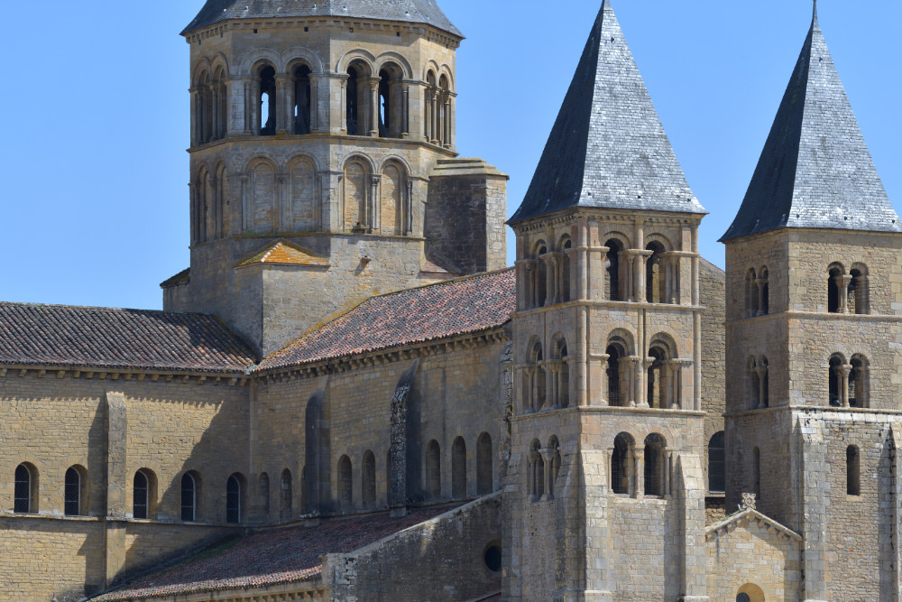 Paray-le-Monial-Basilique : les tours