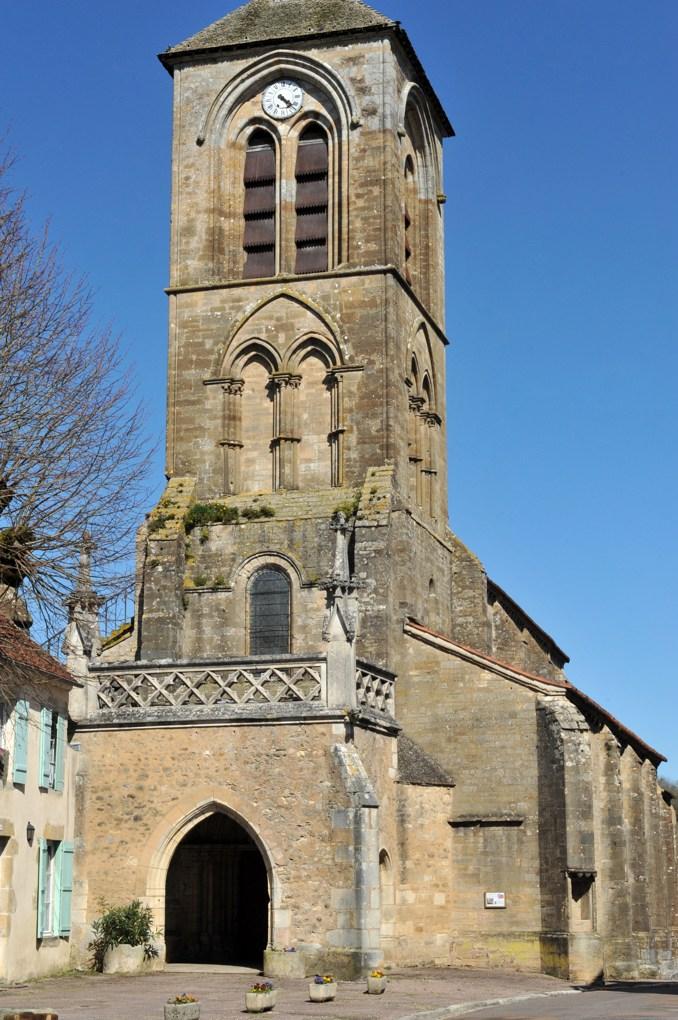 Pontaubert - Eglise de la Nativité : porche (XVIe siècle) et clocher (v. 1200)