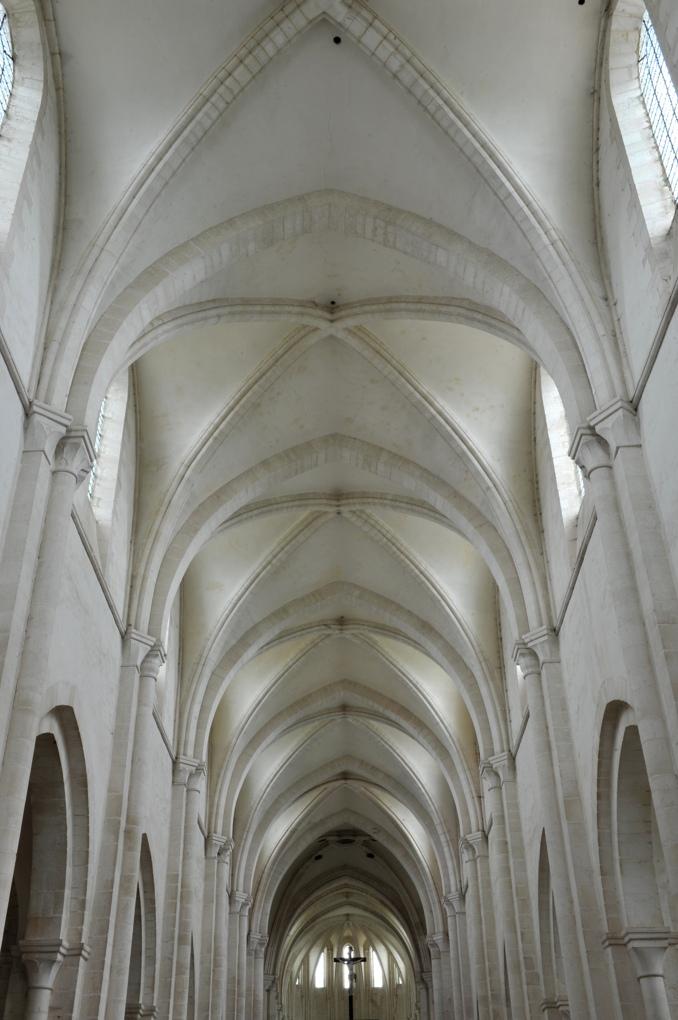 Pontigny - Abbatiale (XIIe siècle)