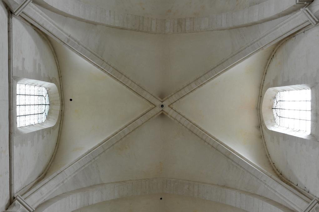 Pontigny - Abbatiale - nef : voûte quadripartite (v. 1150)