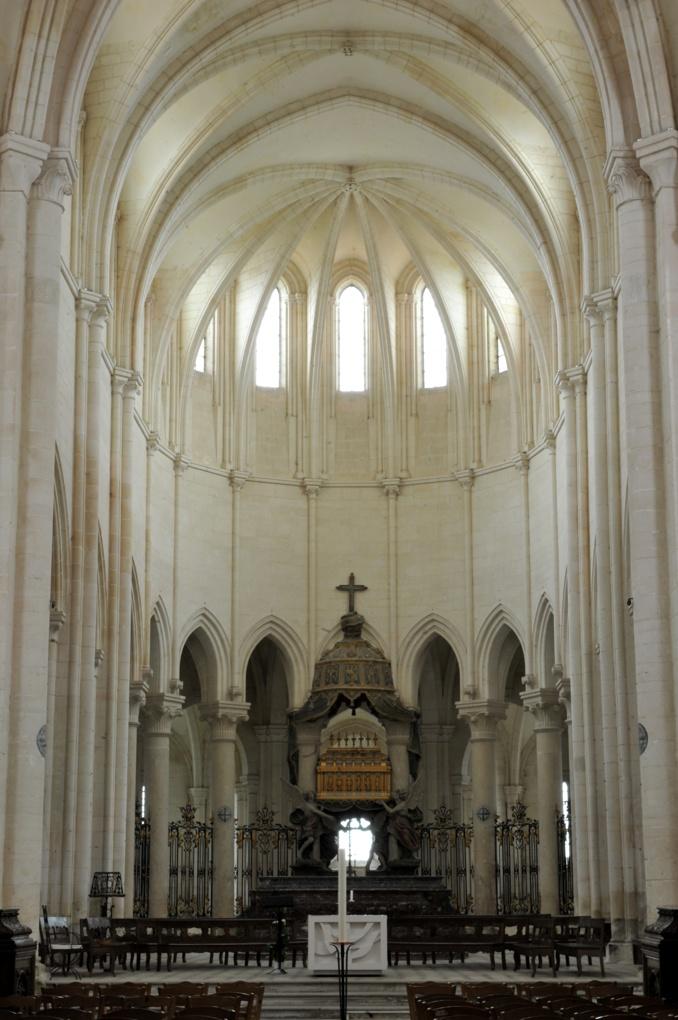 Pontigny - Abbatiale : le sanctuaire (fin XIIe-début XIIIe siècle)