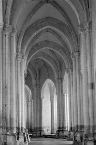 Pontigny - L'abbatiale : déambulatoire et chapelles (fin XIIe s.)