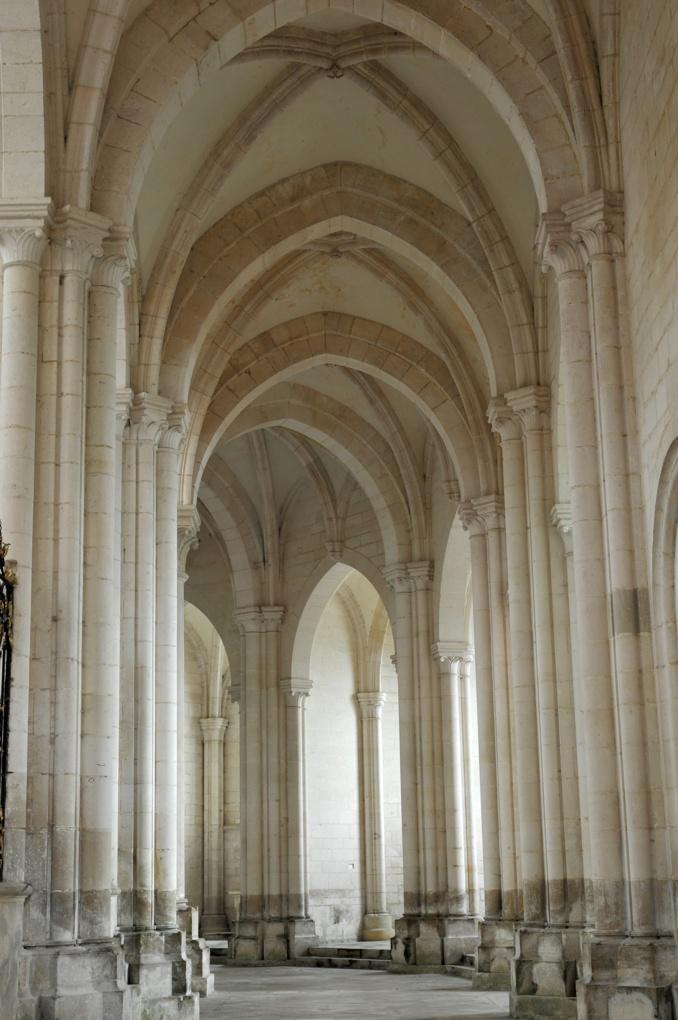 Pontigny - Abbatiale : le déambulatoire (fin XIIe siècle)