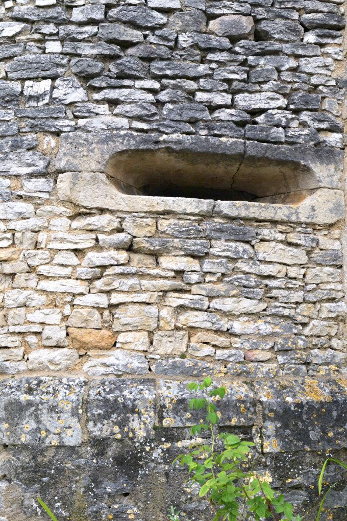 Rougemont - Dispositif de défense de l'enceinte (XVIe s.)