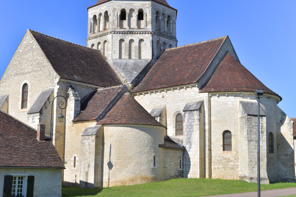 Laroche-Saint-Cydroine - Eglise saint-Cydroine (XIe-XIIe siècle) - Chevet (XIIe siècle)
