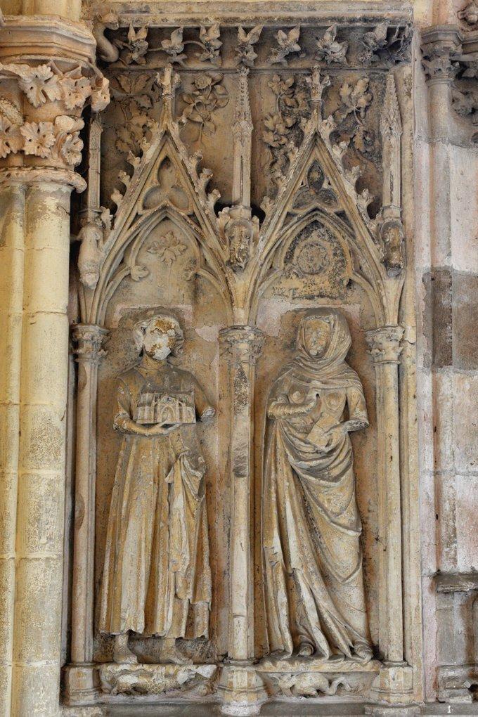 Saint-Père - Eglise Notre-dame - Narthex - Donateurs (début du XIVe s.)