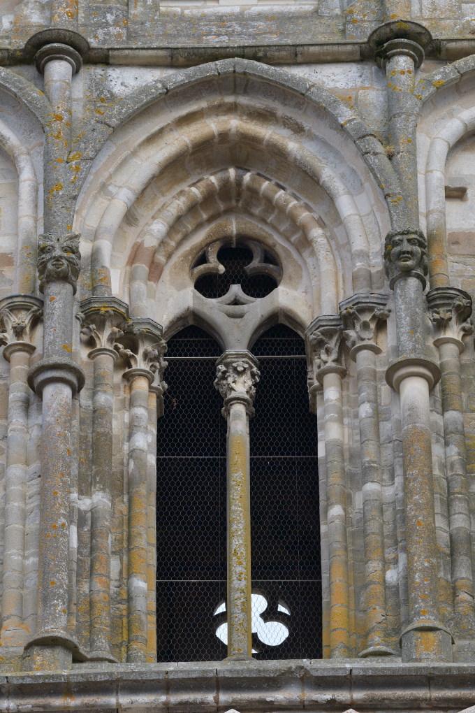 Saint-Père-sous-Vézelay - Eglise Notre-Dame : baie du clocher (XIIIe s.)