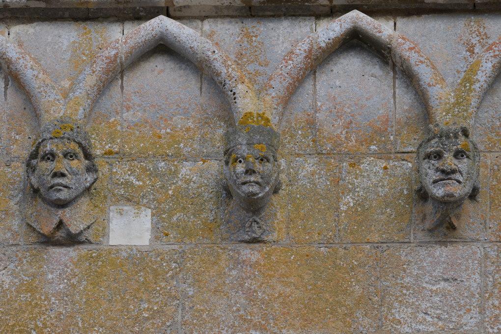 Saint-Père-sous-Vézelay - Eglise Notre-Dame : protomés (XIIIe s.)