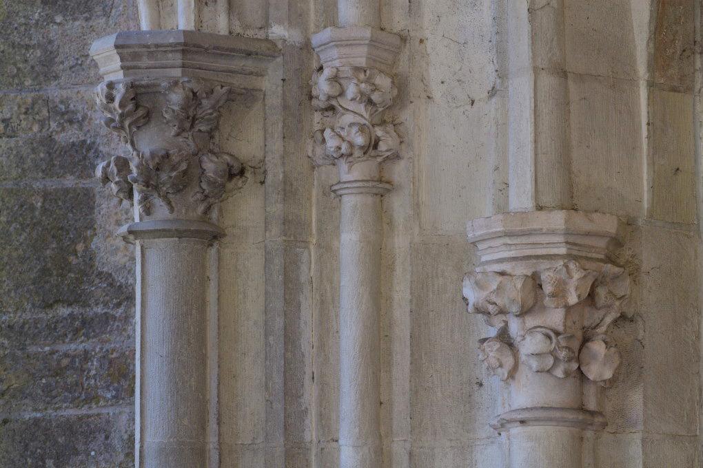 Saint-Père-sous-Vézelay - Eglise Notre-Dame : chapiteaux du narthex