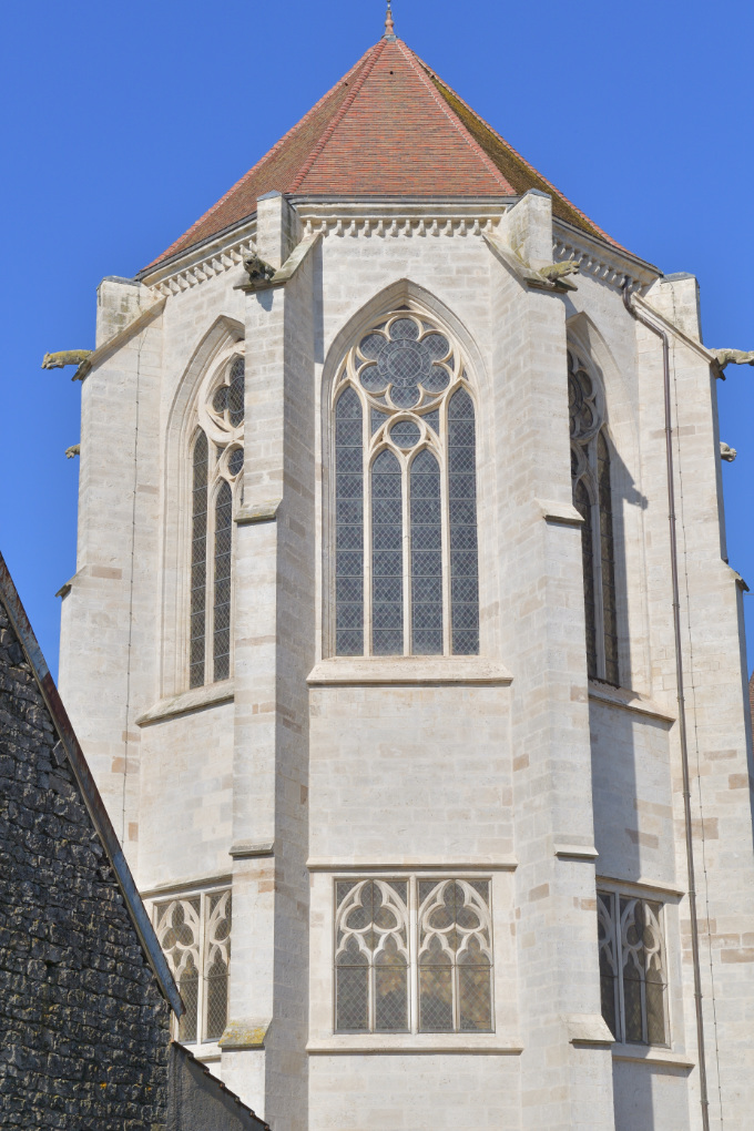 Saint-Thibault - L'église priorale : le chevet (fin du XIIIe s.)