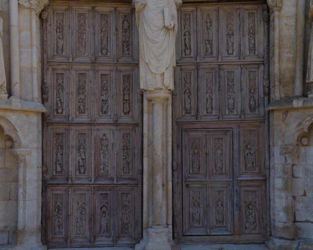 Saint-Thibault - L'église priorale : les vantaux (XVe s.)