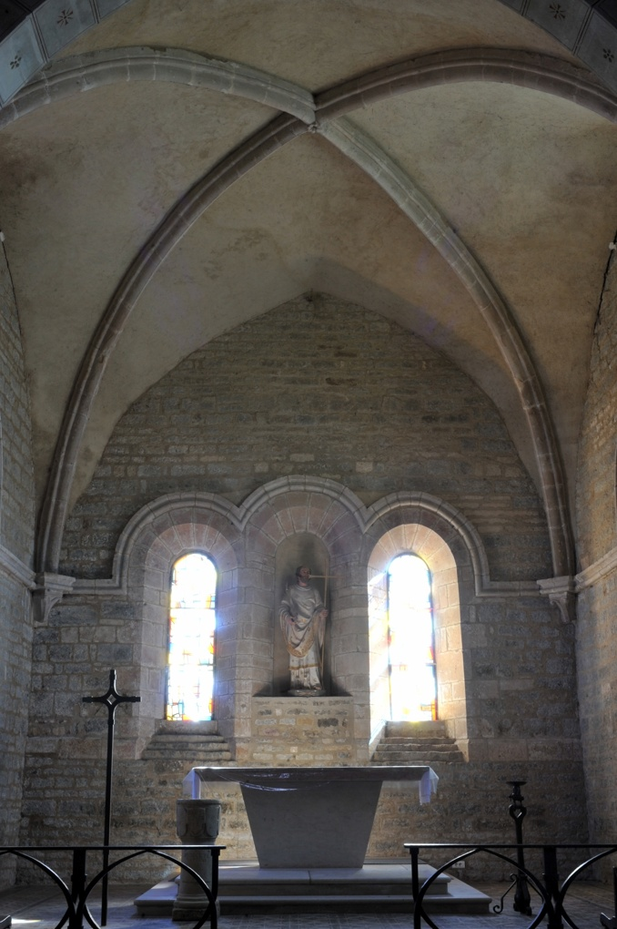 Savigny-en-Terre-Plaine - Eglise Saint-Bénigne (fin XIIe et XVe siècle) : le chevet plat (XIIe siècle)
